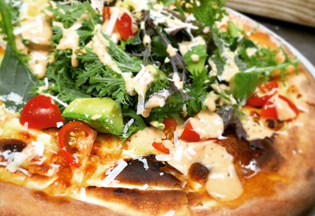 つくば市研究学園のイタリアンレストランのピザ